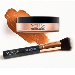 NIB Yensa Silk Bronzing Base: Bronzer+Brush Duo